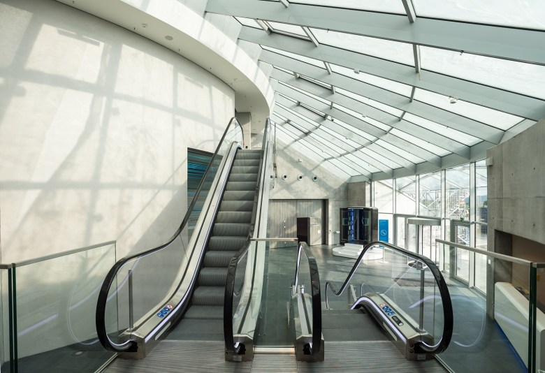Innen_Testturm_Foyer
