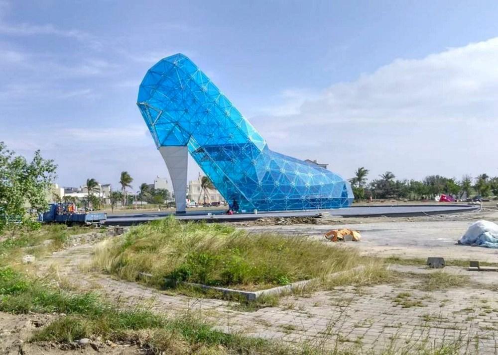 001 Glass-slipper-church-Taiwan_dezeen_ss