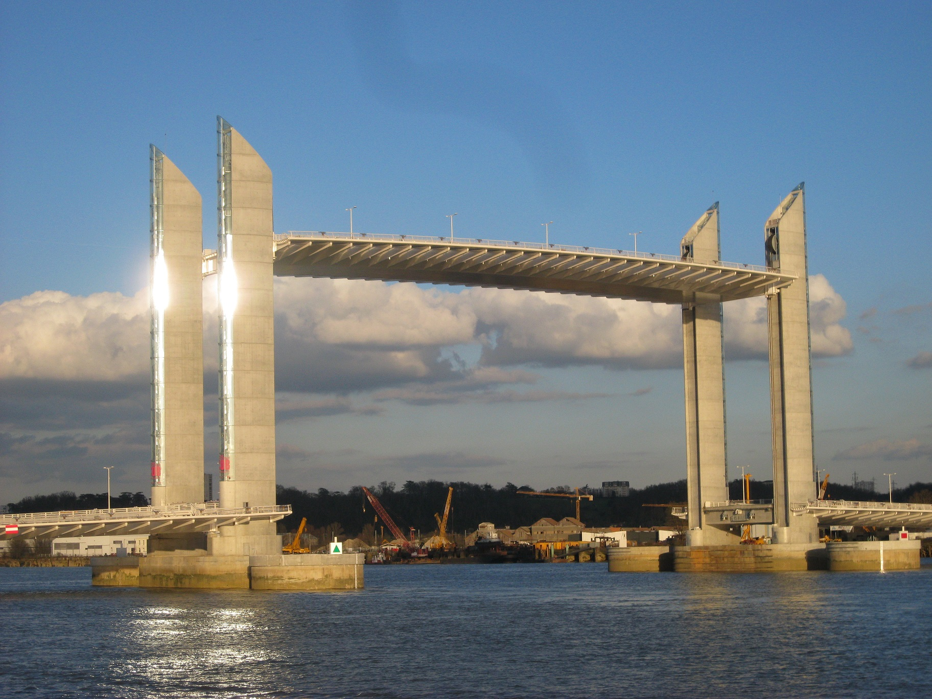 The most incredible drawbridges of Europe - Historias de Arquitectura