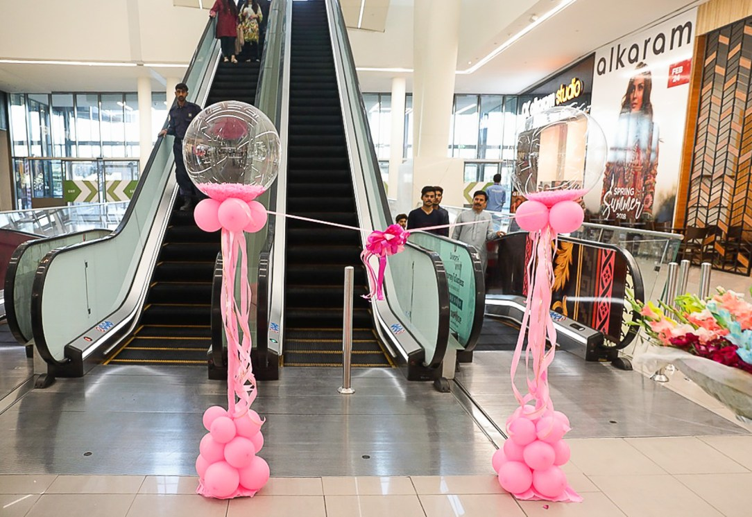 1_Escalators_Emporium_Mall_Pakistan