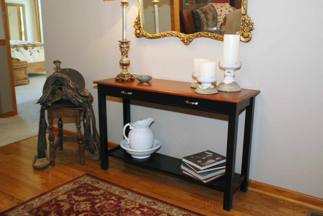 Transitional Sofa Table in Two-Tone Cherry