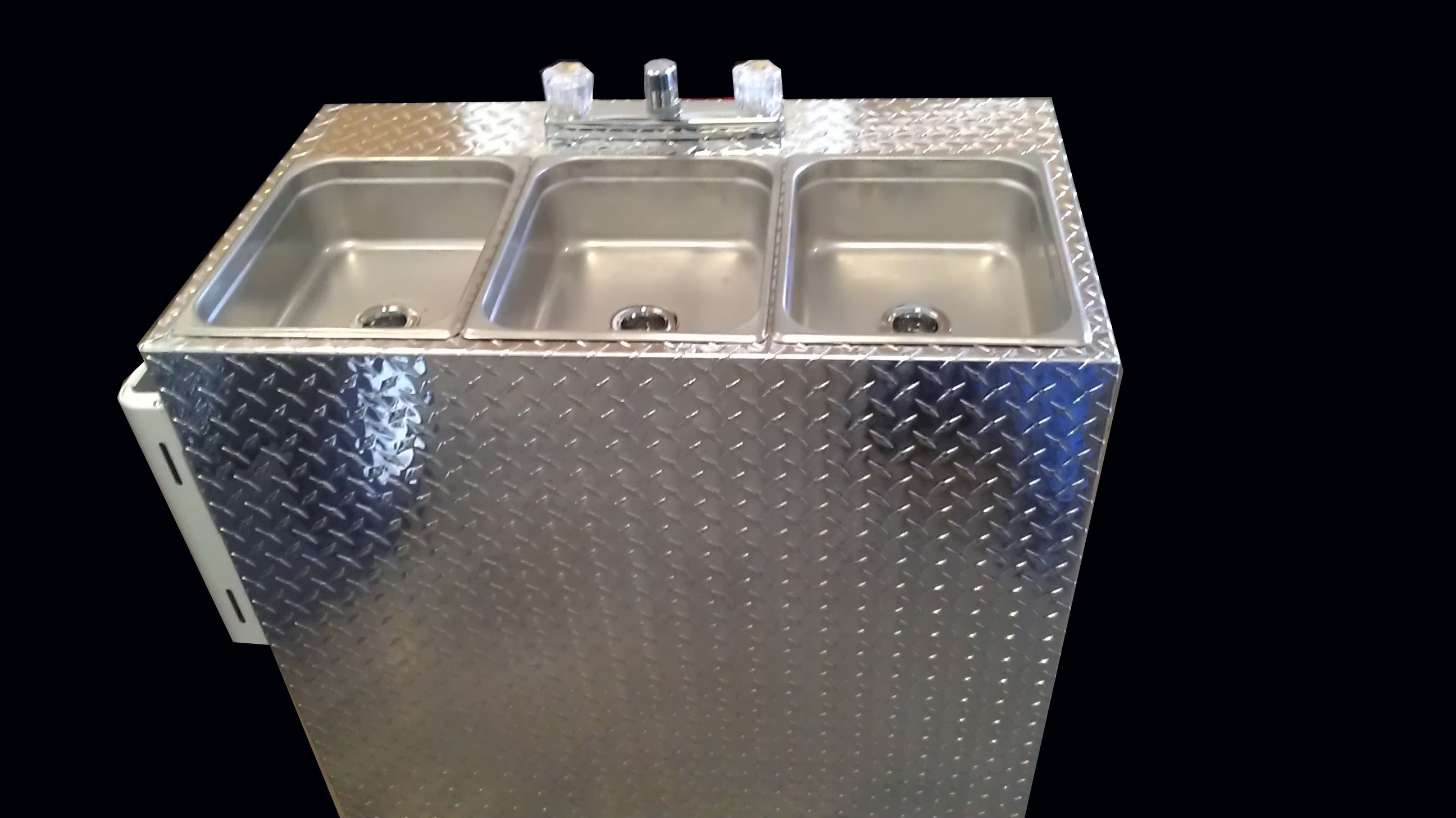 large 3 compartment self contained portable sink 12v lp gas tank less hot water heater diamond plate