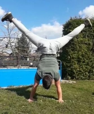 the perfect handstand wide legs