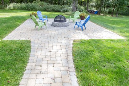 Fire Pit, Patio, & Walkway