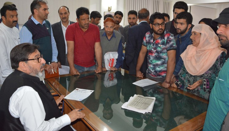 Altaf Bukhari chairs public durbar at Srinagar