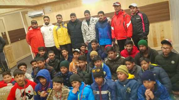 15 days Snow skiing course concludes at Gulmarg