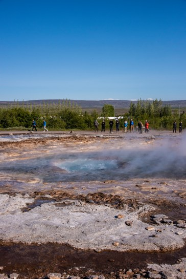 Here goes the Geysir