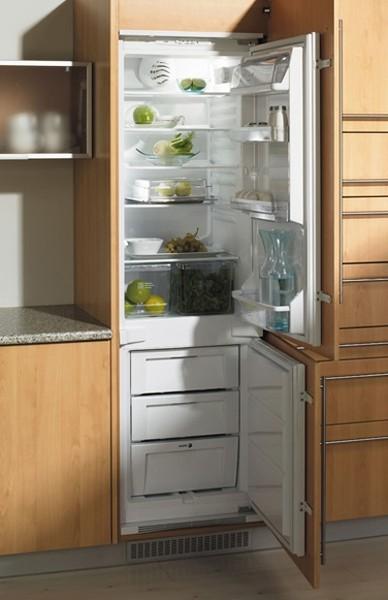 Холодильник на кухне (35 фото) и другая бытовая техника ...