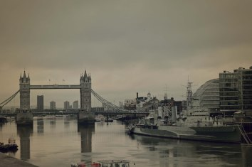 Taken at dawn in London....such a peaceful time to walk around the streets, even if it was raining!