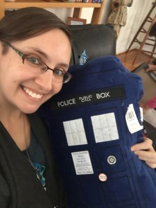 tardis-pillow