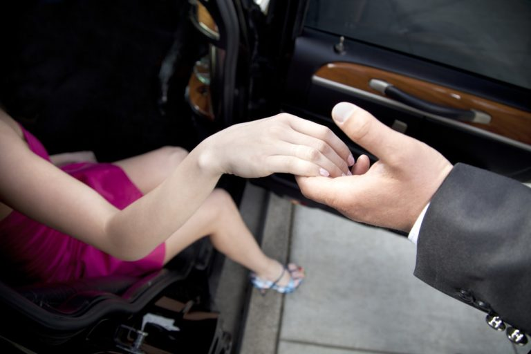 A True Gentleman: Finding The Balance Between Chivalrous & Inattentive