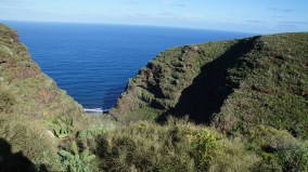 ~ view of the ocean from the cliffs ~