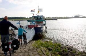 Het pontje naar Millingen aan de Rijn.