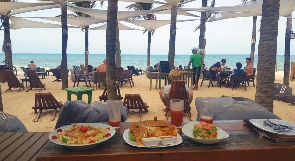 Lunch aan het strand