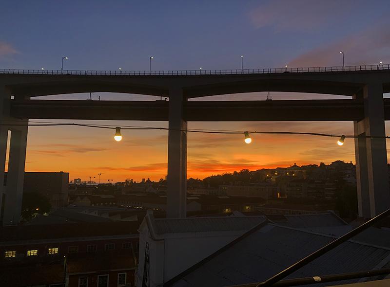 Het wordt avond in Lissabon
