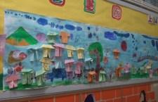 《施政報告》提及,於2017/18學年起,落實免費優質幼稚園教育政策,預計有逾七成半日制幼稚園學位免費。(影片截圖)