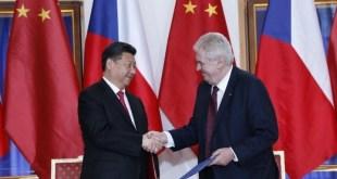 習近平表示,中方珍惜與捷克的傳統友誼,希望戰略夥伴關係可推動交流合作,使中捷關係成為國與國友好合作的典範。(網上圖片)