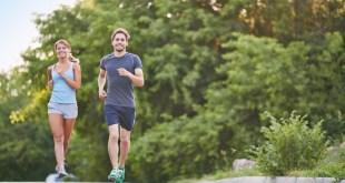 美國約翰霍普金斯大學教授哈格爾表示,日行10,000步的理論缺乏科學根據,或對身體造成傷害。(網上圖片)