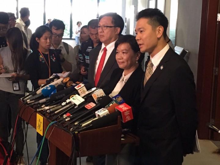 部分建制派議員歡迎裁決,指判決給予立法會尊嚴。