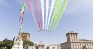 初步點票結果顯示,由前總理貝盧斯科尼(Silvio Berlusconi)領導、意大利力量黨及執政民主黨所組成的中間偏右聯盟得票最多,共得票約37%。(意大利共和國參議院Twitter圖片)