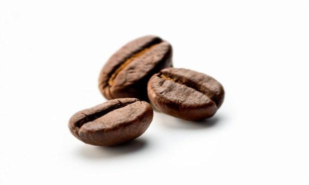 美國一項研究調查結果顯示,經常飲用咖啡和茶的人,發生心律不正的風險較低,甚至可讓心臟病病患者受益。(網上圖片)