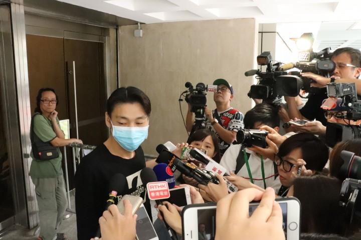 死者兒子陳浩文表示對裁決感到安慰,但對至今仍未尋回母親的屍體感到遺憾。(許夢莉攝)