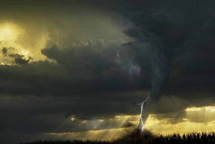 龍捲風吹襲阿拉巴馬州,造成最少23人死亡。(網上圖片)