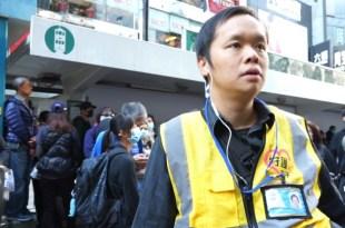 陳凱興寄望更多港人走出來,控訴警方被指濫捕、虐打及性侵的行為。(影片截圖)