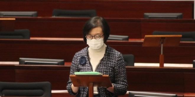 陳肇始:料未來口罩供應緊絀 正研究在酒店檢疫風險