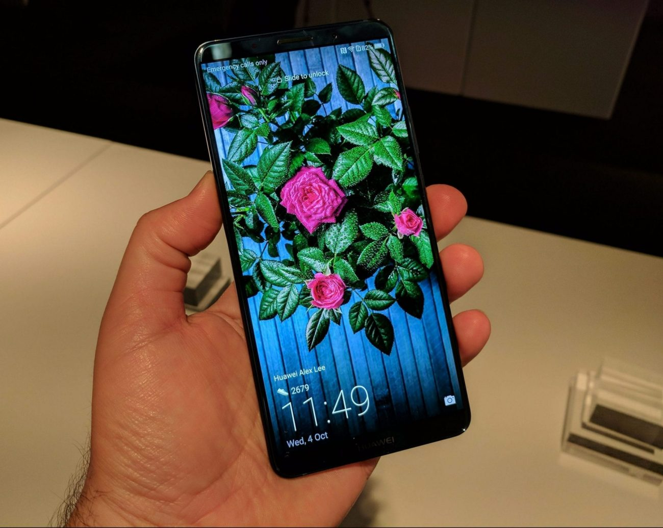 Mate 10 Pro in hand