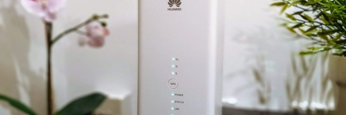 Huawei B618 LTE router with 802.11ac Wi-Fi and Gigabit LAN ports