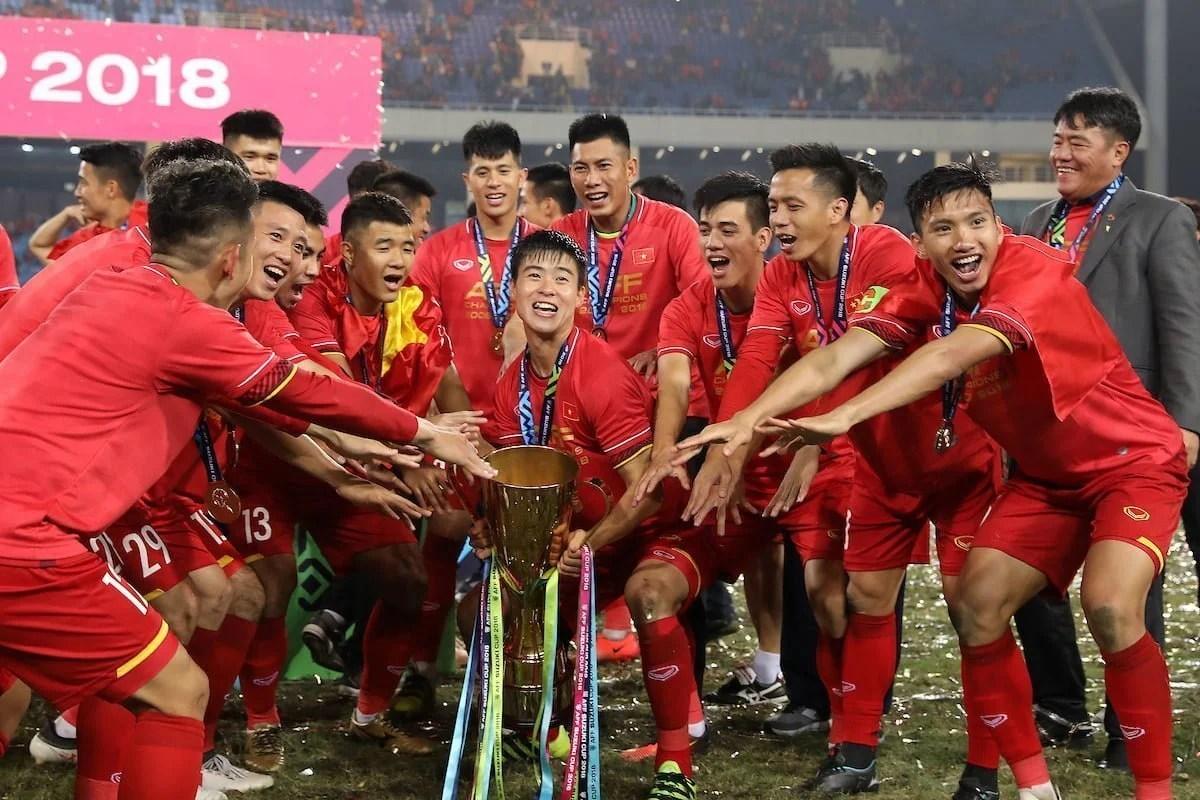 vietnam champion suzuki cup 2018 with jmg academy players