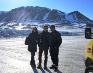 Desde el aeródromo de Nerlerit Inaat fueron en trineo hacia el norte por las nevadas estepas de Groenlandia.(Foto: Grønlands Lufthavne)