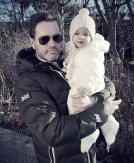 Christopher O'Neill con su hija la princesa Leonore en el 2014 en Estocolmo  (Foto: Kungahuset vía Facebook)