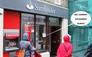 El letrero en la oficina del Banco de Santander en Lerwick lo dice bien claro; «No cambiamos euros» (Foto: © JM Noticias) - Pulsar para ampliar -