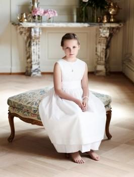 Foto oficial de los 10 años de la princesa Ingrid Alexandra de Noruega en su casa de Skaugum. (Foto: Sølve Sundsbø, Casa Real de Noruega)
