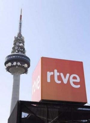 Las pantallas se quedan en negro cuando una señal interfiere en la emisión (Foto: TVE)