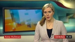 Anna Hultman tuvo mucha sangre fría para aguantar delante de la cámara mientras sonaba la alarma de incendios. (Foto captura vídeo SVT)