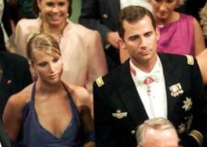 La primera vez que Eva Sannum y Felipe se dejaron ver juntos en público en la boda de Haakon y Mette-Marit en el 2001 - (Foto:TV2)