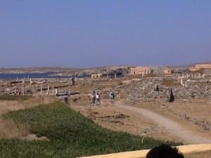 Las ruinas de Delos, lo que queda del templo de Apolo. (Foto: © JMM - JM Noticias) -PULSAR PARA AMPLIAR -