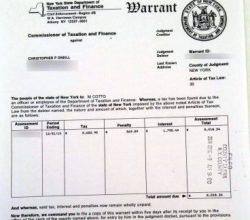 La orden de embargo o «warrant» contra Christopher O'Neill por impago de impuestos de la propiedad desde el 2010 asciende a 8.018,24 $. (Foto: Cortesía Expressen)