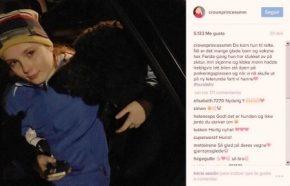 La princesa Ingrid Alexandra, primogénita de los príncipes herederos Haakon y Mette-Marit de Noruega, feliz tras haber encontrado a la perdida Muffins Kråkebolle. (Foto: Princesa Mette-Marit / Captura Instagram)