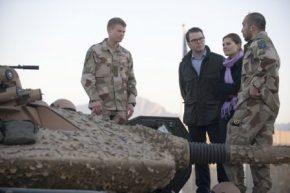 La princesa Victoria de Suecia con su futuro marido Daniel Westling en Afganistán. (Foto: Cortesía Försvarsmak / Henrik Eskilsson)