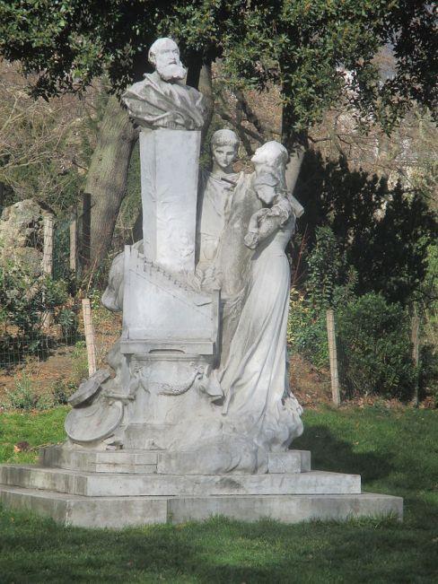79. Monument Gounod au Parc Monceau à Paris, 1900