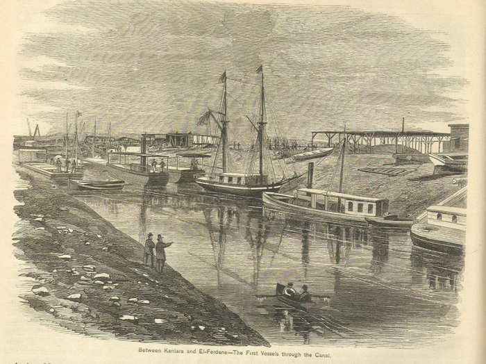 30. Une des premières traversées du canal de Suez au xixe siècle
