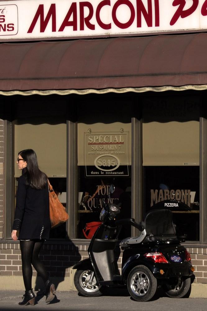 Around the pizzeria...les alentours de la pizzeria... (4/4)
