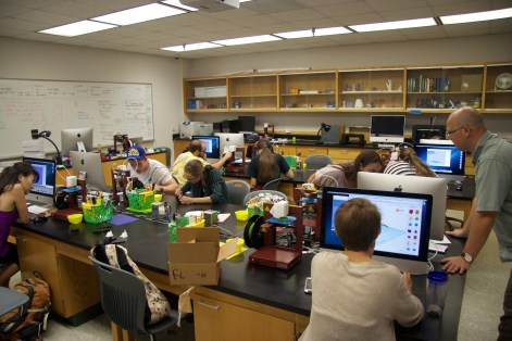 The 3SPACE is a fully equipped 3d printing classroom