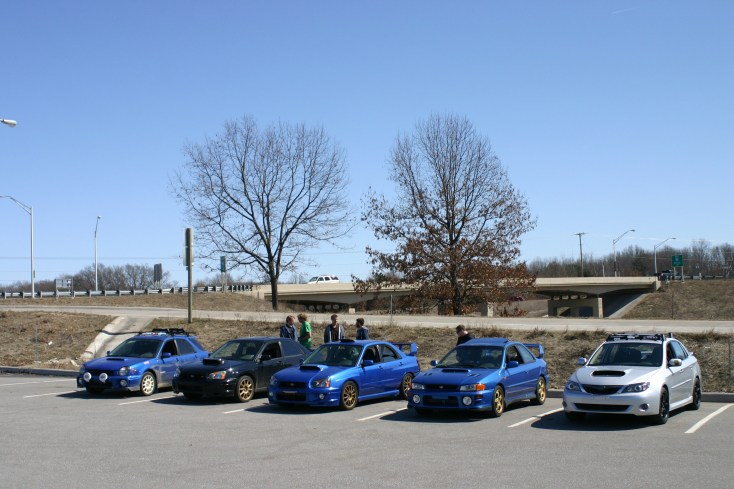 The Kalamazoo crew meeting up before caravanning to the meet s