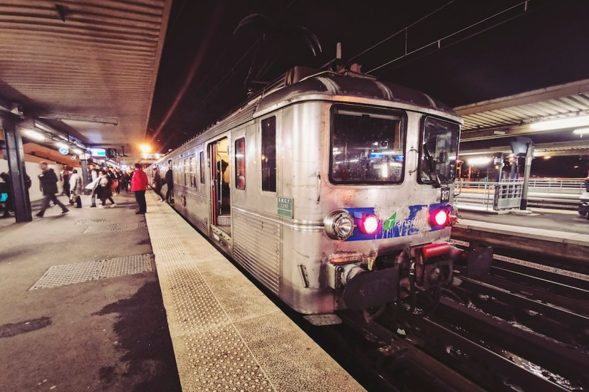 L'une des dernières rames Z5300 en gare de Juvisy