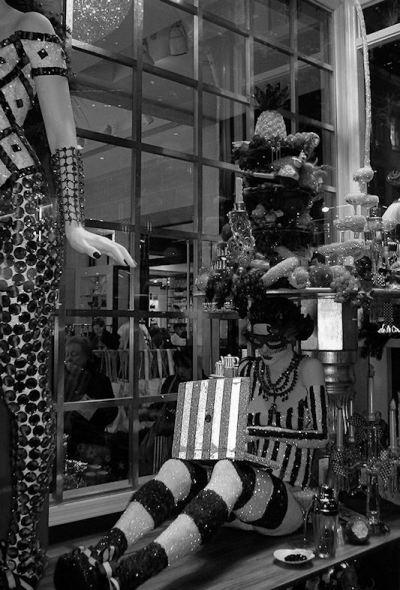 Black and white photo of Macy's Christmas display window taken by Joana Miranda